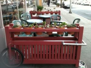restaurant-street-scene-028