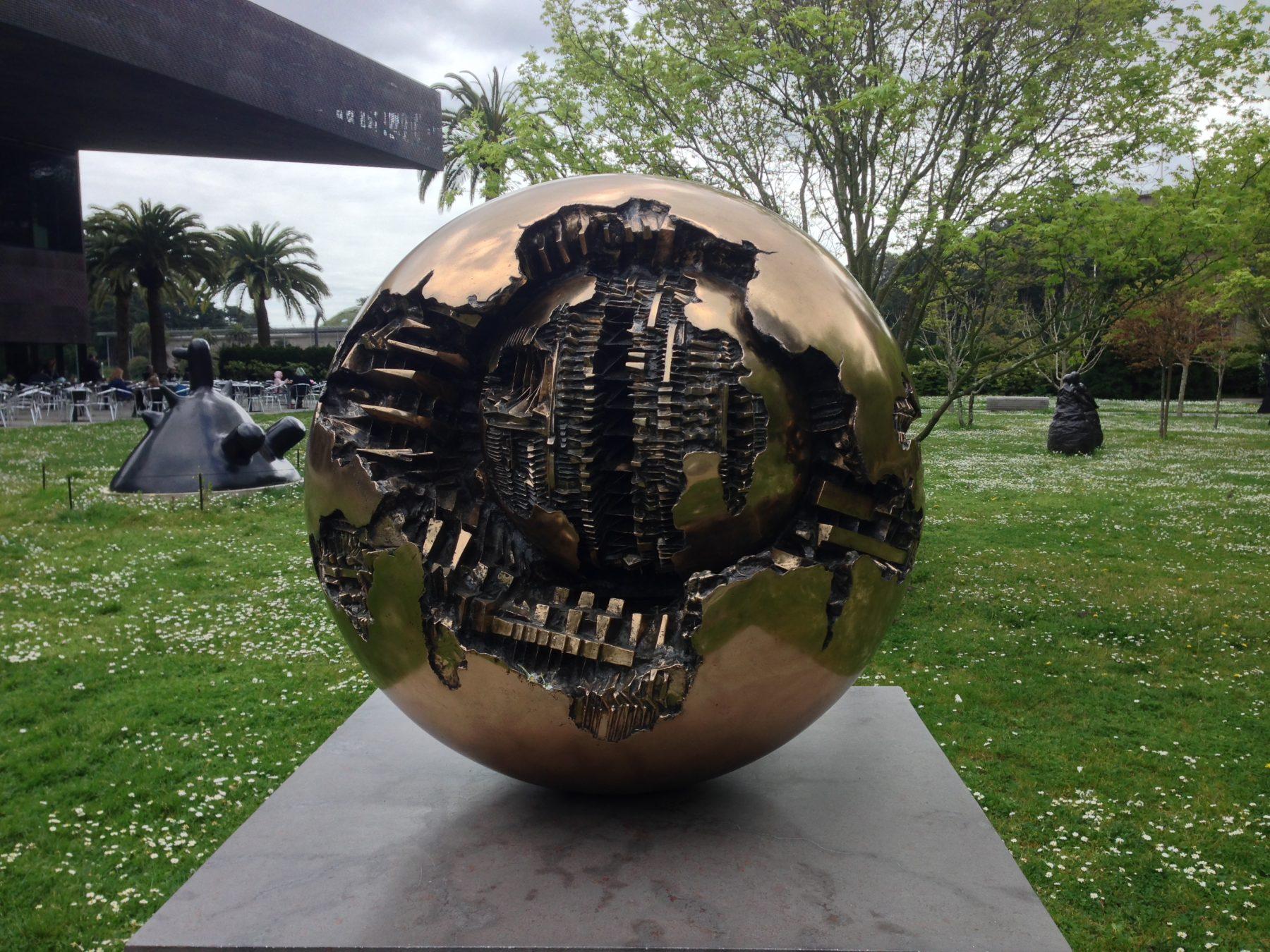 Golden Gate Park, De Young Museum Sculpture